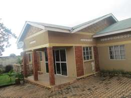 Four bed room house seated on 60x100 goes for 250m in Bweyogerere