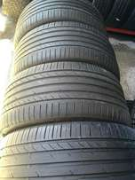 set of 295/40/21 continental X4.