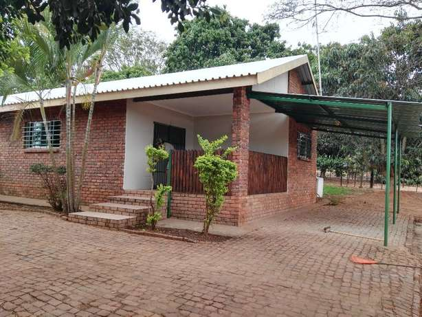 To Rent! 2 Bedroom, 1 Bathroom flat just outside Tzaneen. Tzaneen - image 1