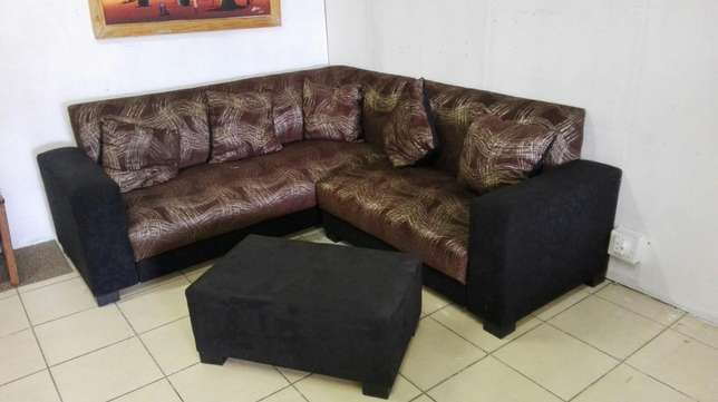 SPECIAL on L-shape couches R3499! Mayville - image 1
