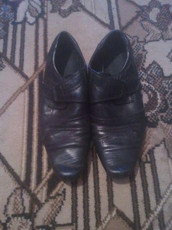 Щкіряні туфлі  200 грн. - Дитяче взуття Сарни на Olx 3bb4e99186665