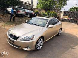 06/07 Lexus IS350 Sedan AWD With Nav , Rev Cam, Bluetooth, Park Assist