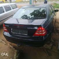 Extremely Clean Foreign Used Mercedes Benz C200 Kompressor 03