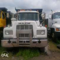 White Short R model Mack Tipper