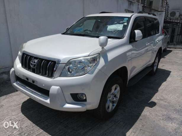 Toyota Prado 7seater 2011 model KCN number. Loaded with alloy rims , Mombasa Island - image 2