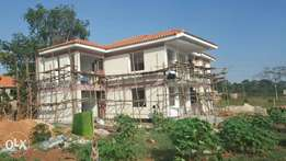 Residential 5bed roomed house at mukono centre axcessible to main rd