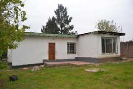 Spacious 2 Bedroom House for Rent in Farmall, close to Fourways...
