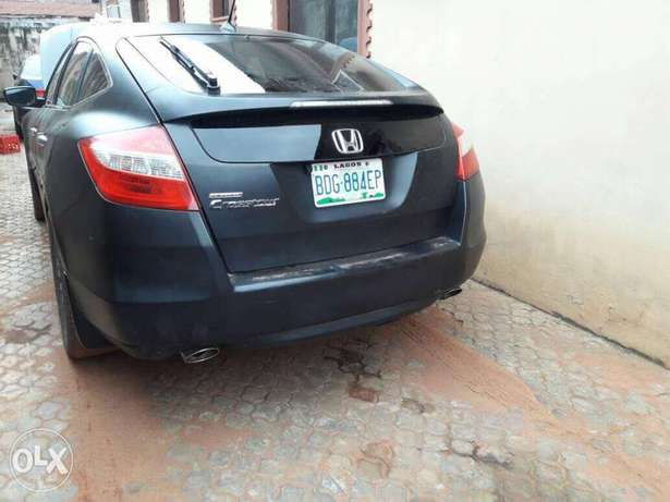 Registered 2010 model Honda crosstour Lagos Mainland - image 4