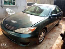 Neat Foreign used Toyota Camry 2004 model