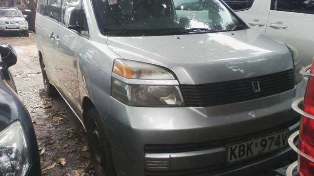 Very clean Toyota Voxy, ksh 600,000. Year 2003. Parklands - image 1