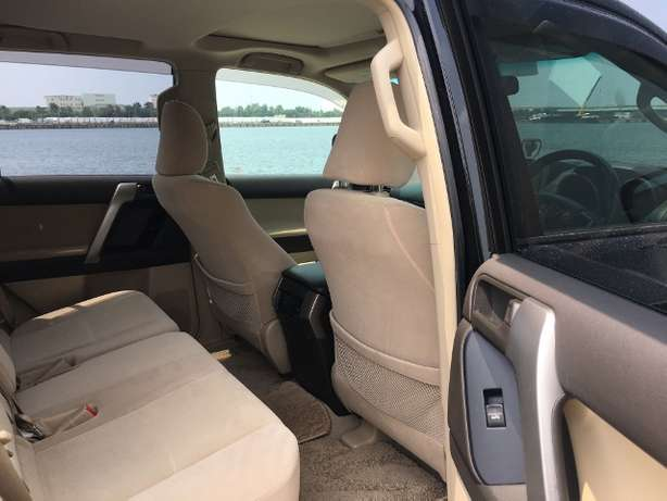 Toyota Prado land cruiser KCM number 2010 model loaded with alloy Mombasa Island - image 4