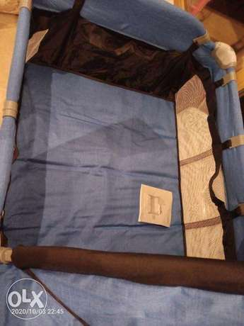 baby travel cot its foldable