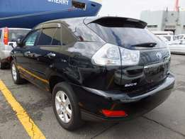 2010 Toyota Harrier with panarofic sunroof and heated seats