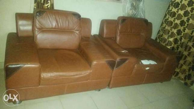 7 seater leather chairs for sale Ojodu - image 1