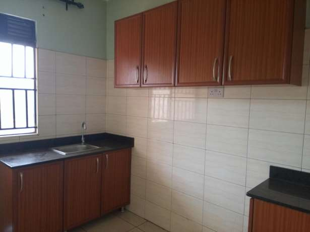 Beautiful 2 bedroom to rent Bukasa. 1.1m ugx Kampala - image 2