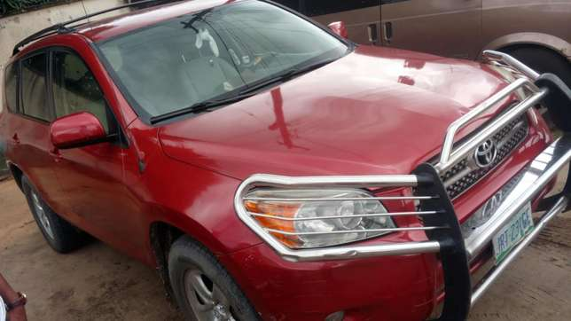 Extremely sound and neat 2007 RAV4 with factory chilling AC Warri South - image 2