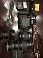 canon 7d mark ii Body 20.2 MP + 2 Lens + Extras (like New)
