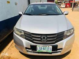 Super neatly used 2010 Honda City.