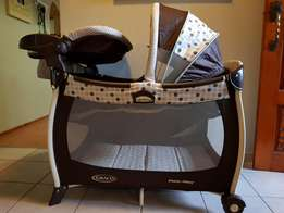 Graco Pack n Play Sulhouette Camp cot