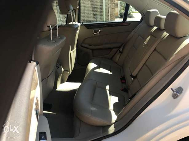 2010 Mercedes Benz E350 Just Arrived Lagos and in Excellent Condition Lekki Phase 1 - image 8