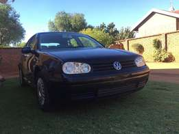 VW Black Golf 4 Automatic 2L for sale. Splendid condition, no faults