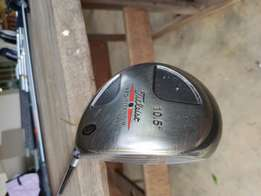 Titleist 975J 10.5° Driver with cover