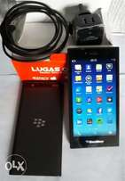 Mint BlackBerry Leap (16GB) with Charger