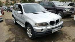Bmw X5 super clean. Original paint. Buy and Drive