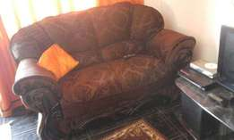 6 seater Prestigue lounge suite for sale