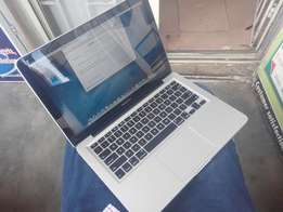Apple Macbook Pro Intel Corei5 500gb/8gb 13 inch