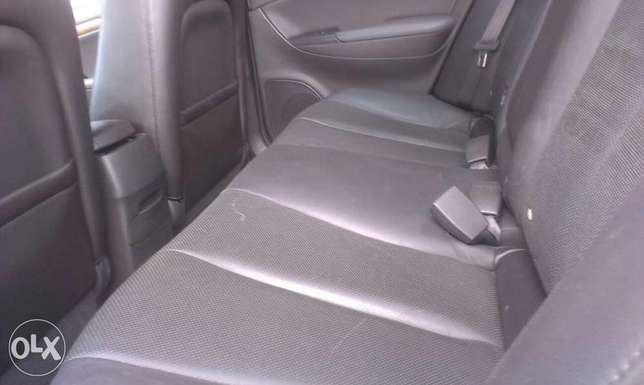 Buy and drive clean sparkling Hyundai Isolo - image 4
