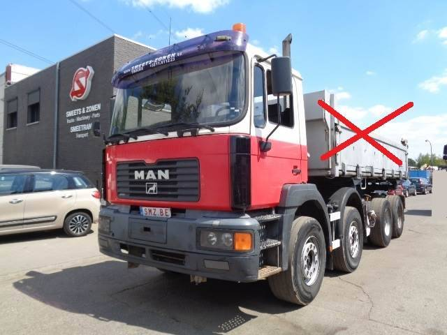 MAN 32.414 8x4 Syncro 3-4 Broken - 2002