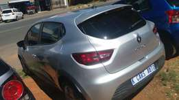 2015 Renault Clio 4, Color Silver, Price R115,000.