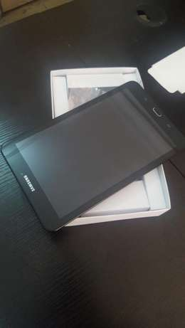 Almost new 4G LTE Samsung Tab E 8.0 Surulere - image 1