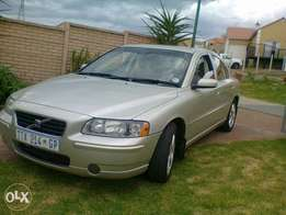 VOLVO S60 2.0T 2006 FOR SALE.Not running Engine redone