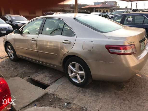 Registered 2007 Toyota Camry (Leather seats,upgraded 2011 kit) 1.98M Surulere - image 3