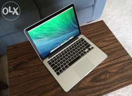 Clean and smart Macbook Pro
