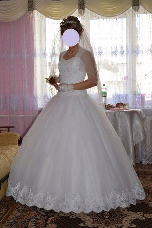 Весільне плаття  2 500 грн. - Весільні сукні Стрий на Olx aeefe0734843a