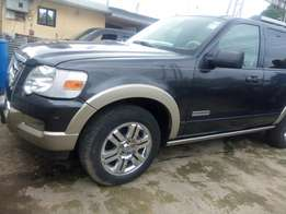 Neatly used ford explorer 2007