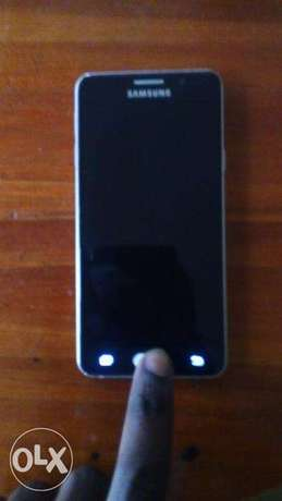 Samsung A3 2016 model with slightly broken screen but replaceable Langata - image 1