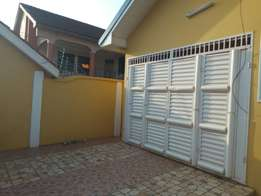 A 5bedrooms/sturdy.all rooms fully air-condition. In community 17