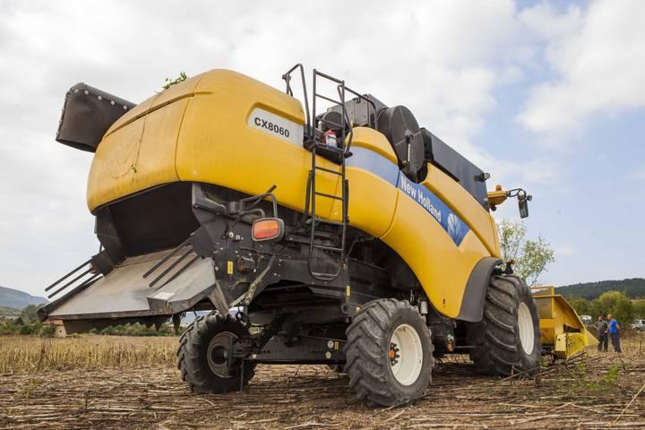 New Holland CX 8060 - 2008 - image 2
