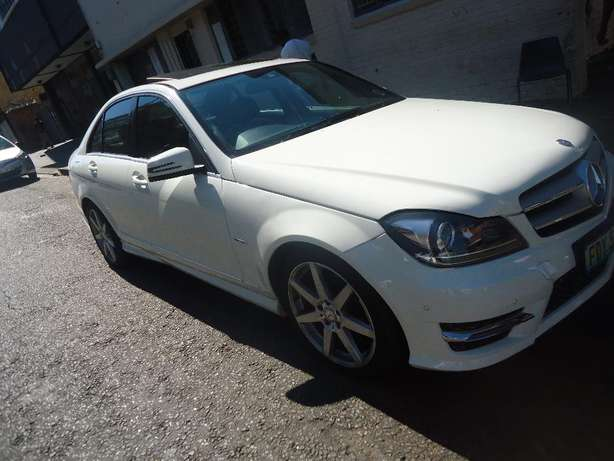 2012 Mercedes Benz C250 Auto Sport CDI Available for Sale9 Johannesburg - image 3