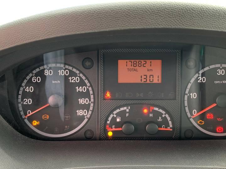 Peugeot Boxer HDi Doppelkabine 7-Sitzer TÜV NEU - 2010 - image 9