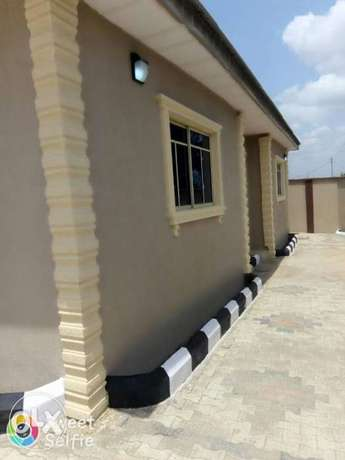 Tastefully built 2 bedrooms apartment for rent at idi-oya Ibadan South West - image 1