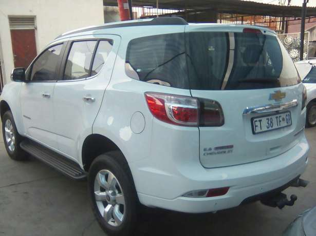 Chevrolet Trailblazer 2015 2.8LTZ Automatic very clean low millage Jeppestown - image 6