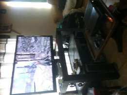 42 inch lg TV HD 1080 xbox one and TV Stand combo