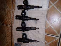 Second hand VW TOURAN diesel injectors for sale still in good conditio