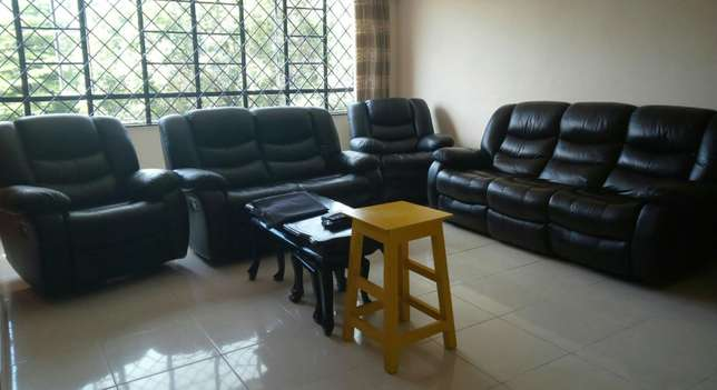 antic 7siter 100% mahogany sofa for only 99k Parklands - image 4