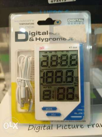 Digital thermo-humidity meter